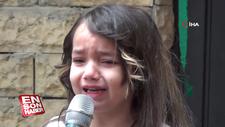 Küçük Cemrenur, İstiklal Marşı'nı okurken gözyaşlarına boğuldu