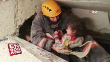2,5 yaşındaki Yüsra'nın annesi enkazdan sağ olarak çıkarıldı