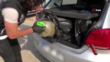 Narkotik köpeği 'Atak' bagajda marihuana buldu