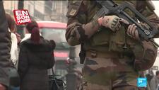 Fransız askeri sokağa indi