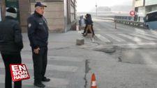 Polisin yaya geçidi kullandırma çabası