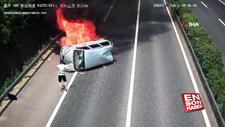 Çin'de yanan araçtan son anda kurtuldular