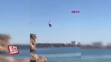 40 metreden çivileme atladı, yüzerek çıktı