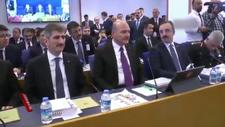 Süleyman Soylu HDP'lilerle tokalaşmadı