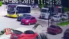 Bursa'da kırmızıda karşıya geçen adama kamyon çarptı