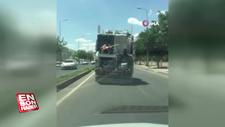 Diyarbakır'da kamyonetin arkasında tuhaf yolculuk