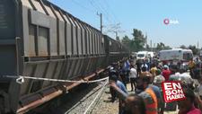 Mersin'de yük treni minibüse çarptı