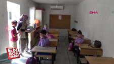 İnşaatı bitmeyen okul konteynerde eğitim veriyor