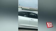 Tesla sürücüsü otomobilin içinde uyurken görüntülendi