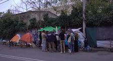 Yunanistan'da kamp dışındaki göçmenlerin yaşam mücadelesi